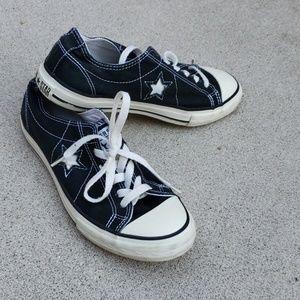 Converse size 8½
